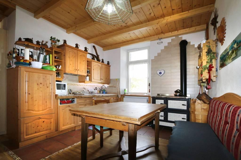 Appartamento in buone condizioni parzialmente arredato in vendita Rif. 8859565