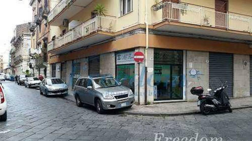 Negozio-locale in Vendita a Catania Centro: 1 locali, 35 mq