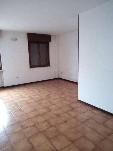 Appartamento in vendita a Goito, 4 locali, prezzo € 95.000 | CambioCasa.it