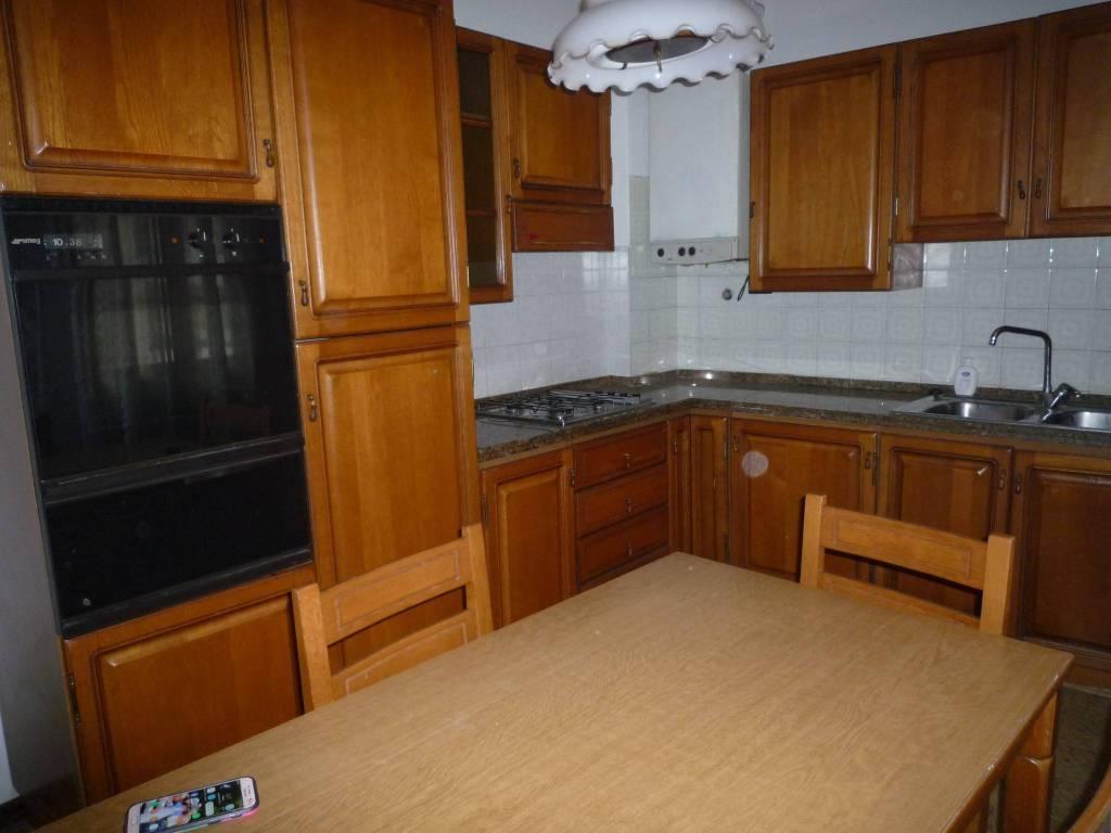 Appartamento in ottime condizioni arredato in affitto Rif. 8862323