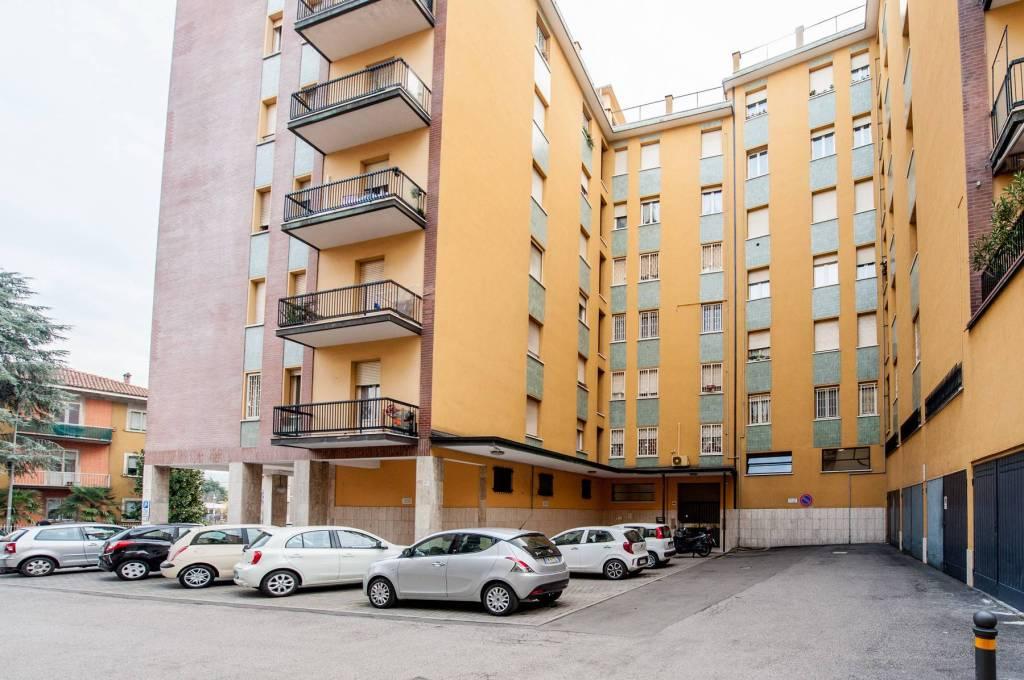 Appartamento in buone condizioni in vendita Rif. 8861506