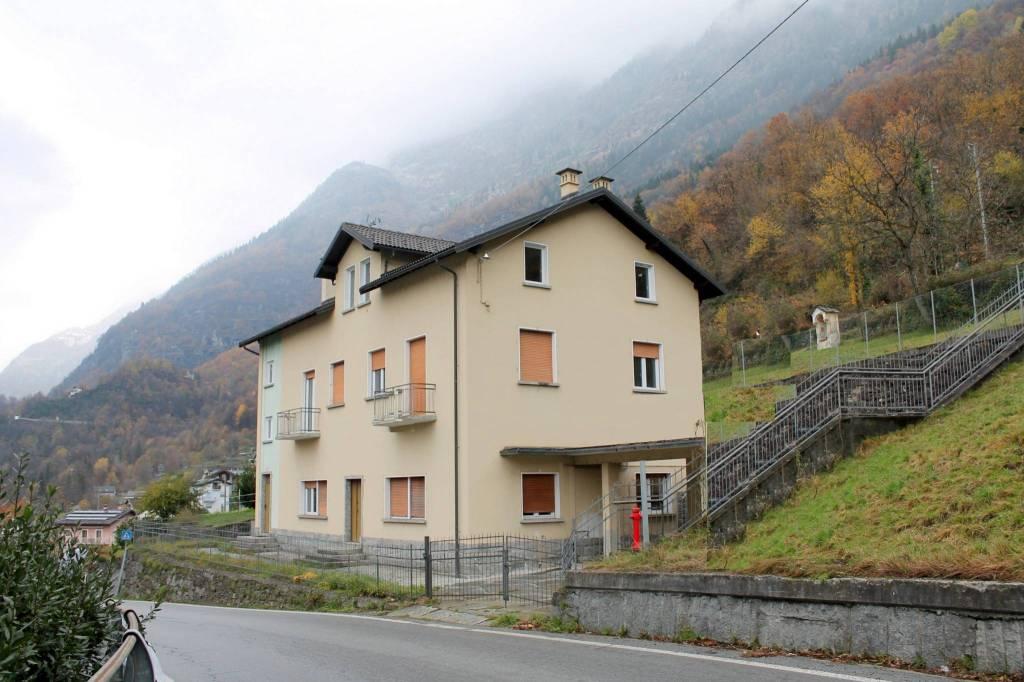 Appartamento in ottime condizioni in vendita Rif. 8859383