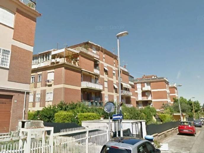 Appartamento da ristrutturare in vendita Rif. 8861406