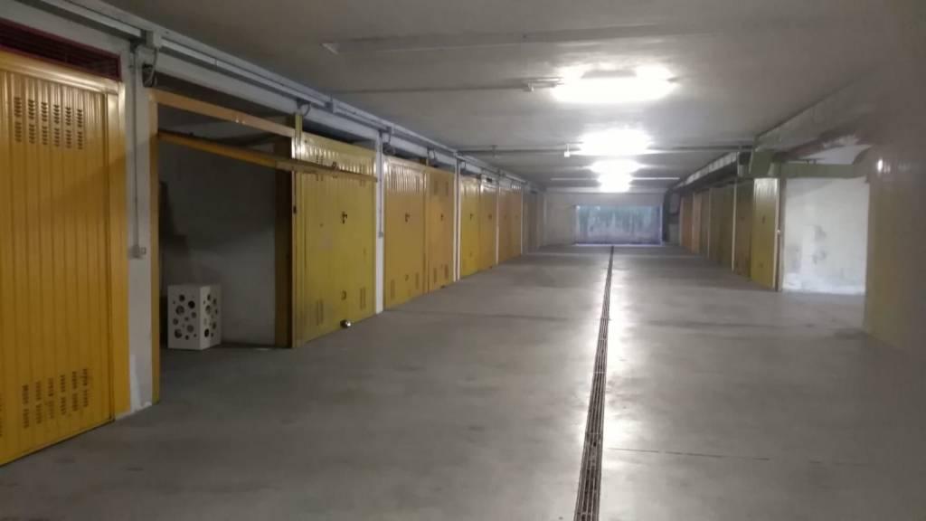 Box e posti auto in buone condizioni in vendita Rif. 8860553