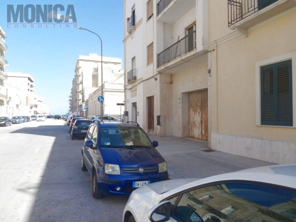 Magazzino in zona Via Fardella
