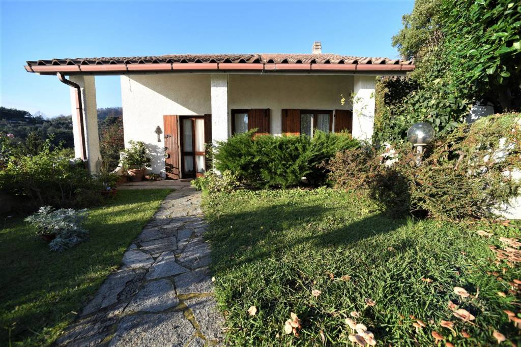 Foto 1 di Villa frazione Sanda, Celle Ligure