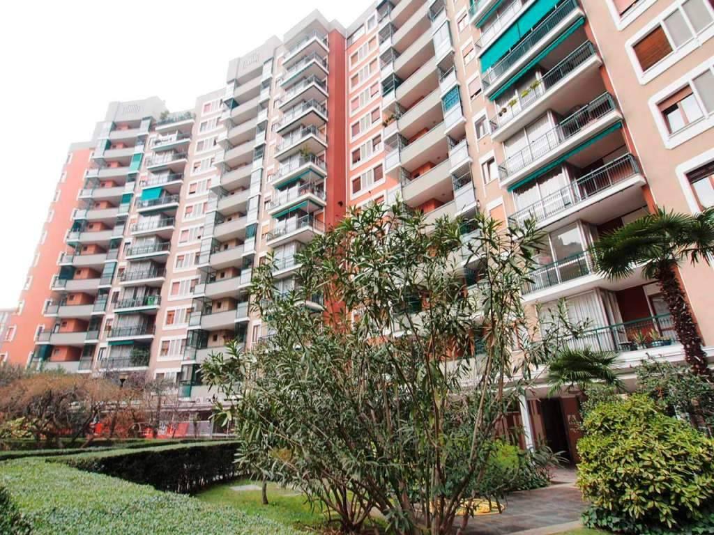 Appartamento da ristrutturare in vendita Rif. 8861430