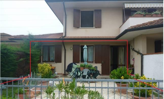 Appartamento in buone condizioni in vendita Rif. 8863310