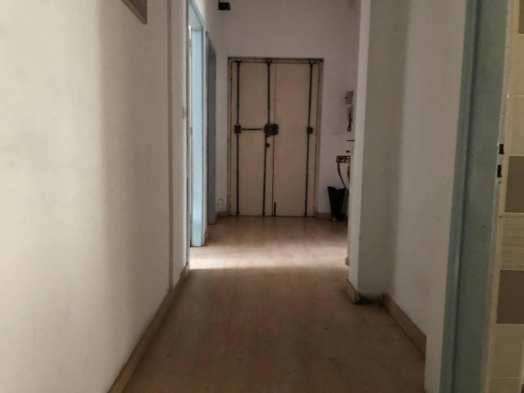Appartamento da ristrutturare arredato in affitto Rif. 8862736