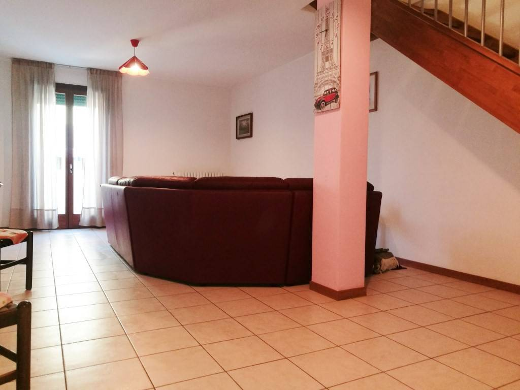 Appartamento duplex con tre camere da letto