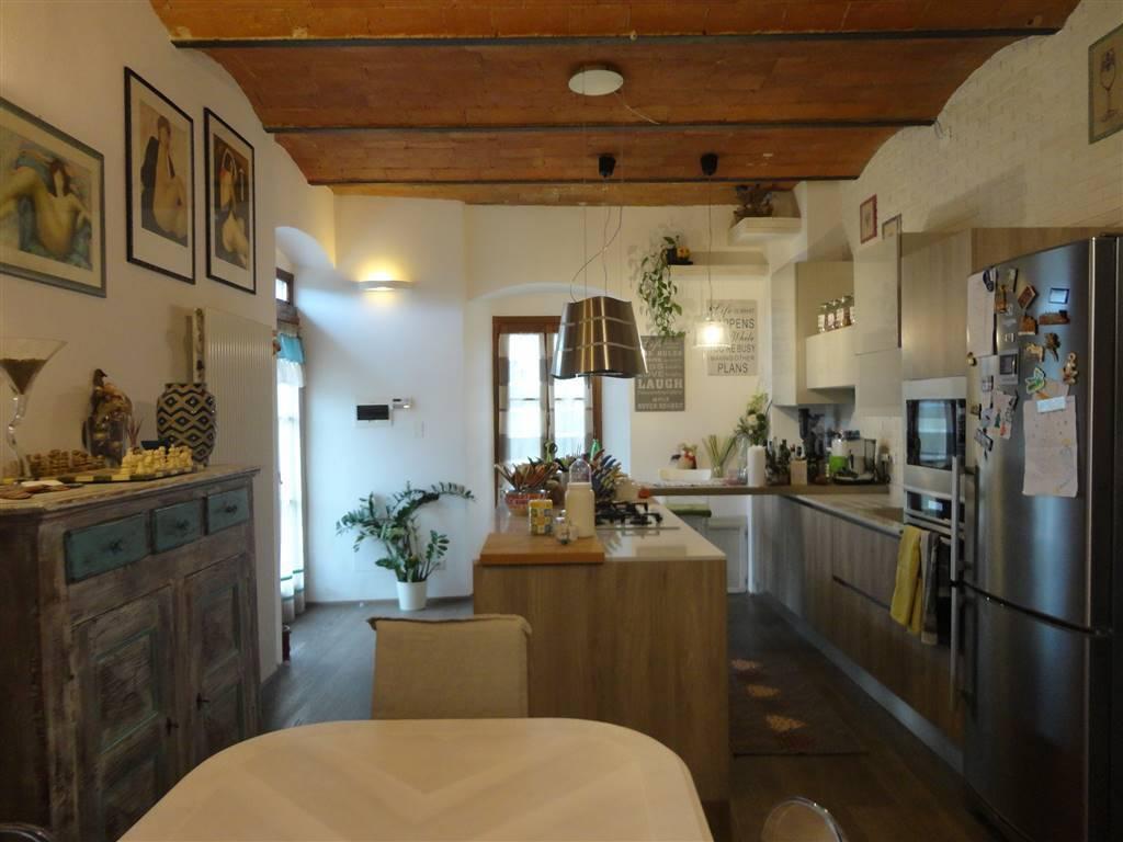 Appartamento in ottime condizioni in vendita Rif. 8871841