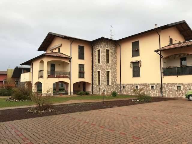 Appartamento in vendita a Cameri, 2 locali, prezzo € 125.000 | CambioCasa.it