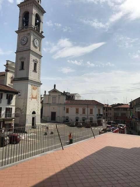 Appartamento in vendita a Cameri, 3 locali, prezzo € 190.000 | CambioCasa.it