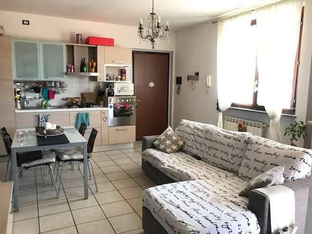Appartamento in ottime condizioni in vendita Rif. 8871631