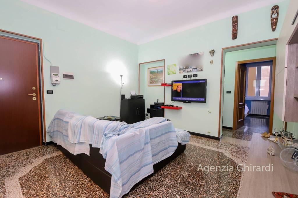 Appartamento in buone condizioni in vendita Rif. 8871495