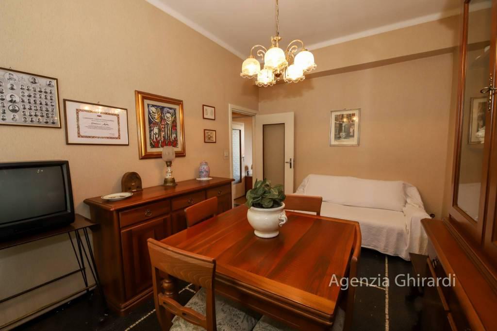 Appartamento in buone condizioni arredato in affitto Rif. 8871496