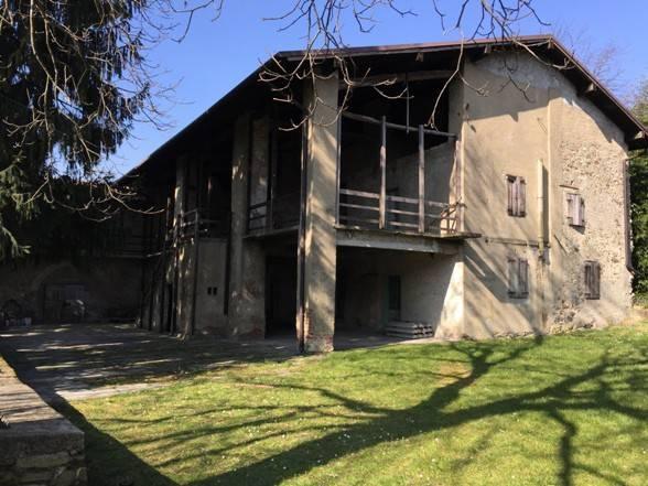 Rustico / Casale in vendita a Cisano Bergamasco, 6 locali, prezzo € 790.000 | CambioCasa.it