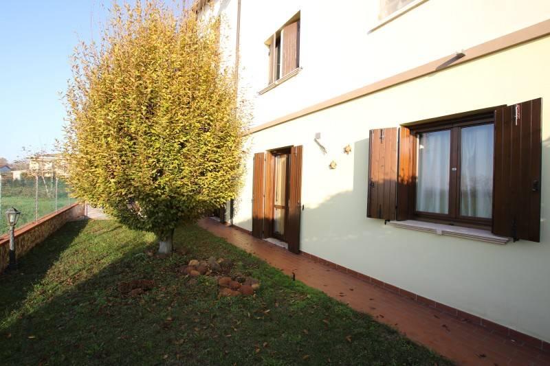 Appartamento in ottime condizioni in vendita Rif. 8871530
