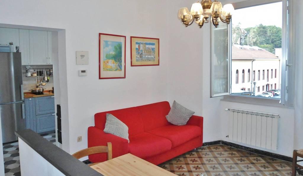 Appartamento in buone condizioni in vendita Rif. 8872486