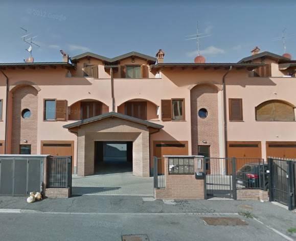 Appartamento in buone condizioni in vendita Rif. 8878835