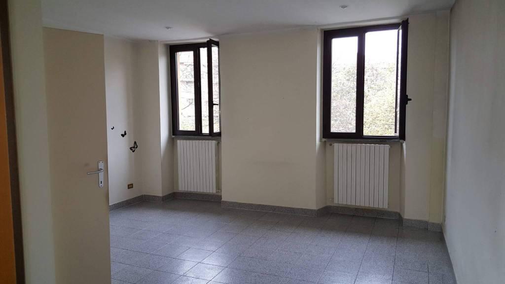 Appartamento in buone condizioni in affitto Rif. 8878580