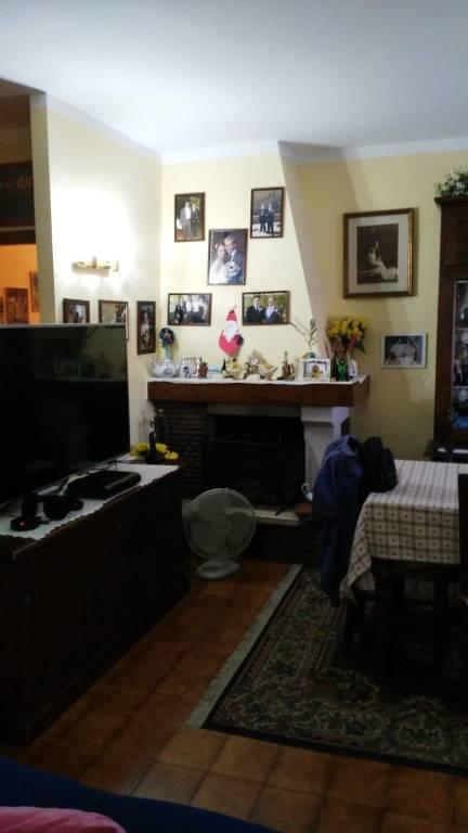 Appartamento in buone condizioni in vendita Rif. 8878680