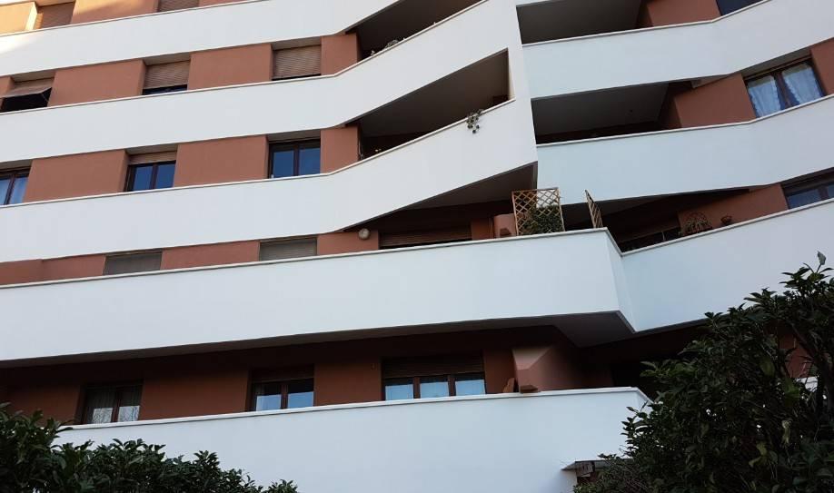 Appartamento in buone condizioni in vendita Rif. 8878840