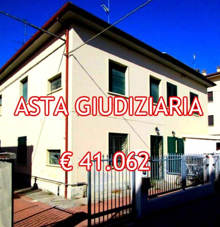 Appartamento in buone condizioni in vendita Rif. 8885673