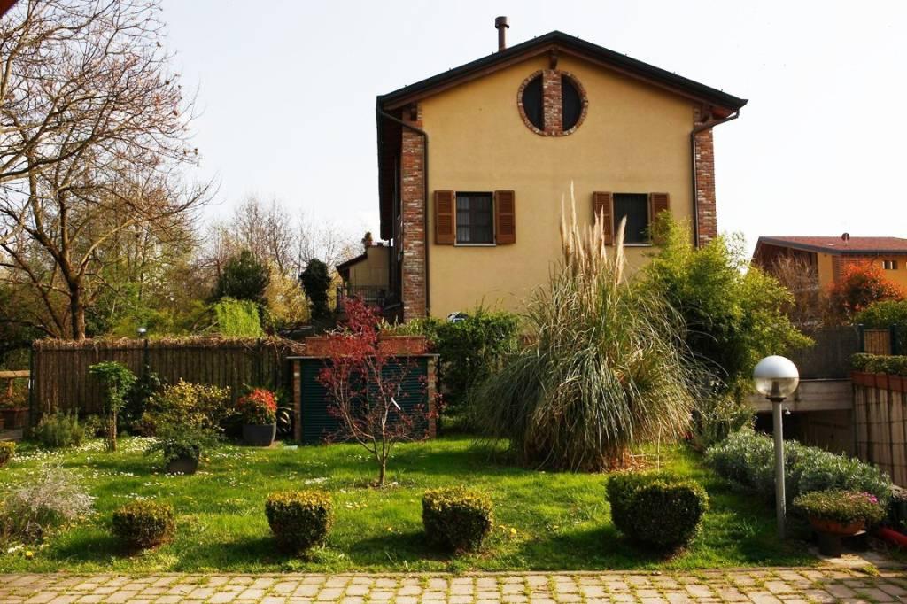 Villetta a schiera in ottime condizioni parzialmente arredato in vendita Rif. 8884989