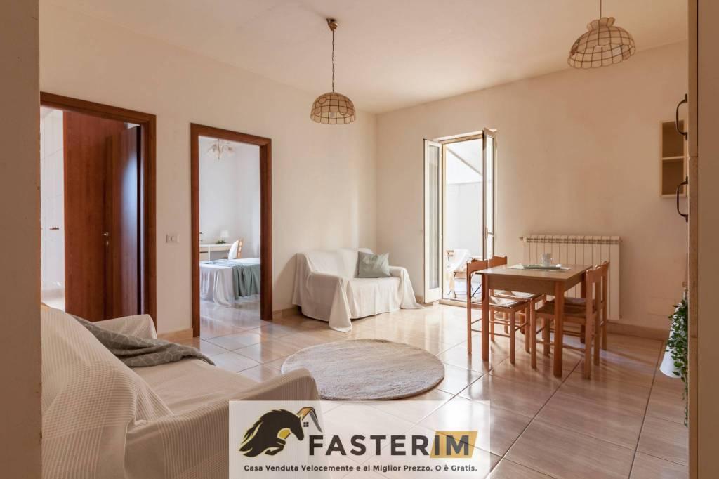 Appartamento in ottime condizioni in vendita Rif. 8888738