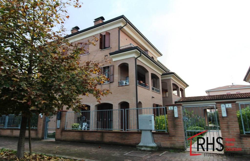 Appartamento in ottime condizioni in vendita Rif. 8888282