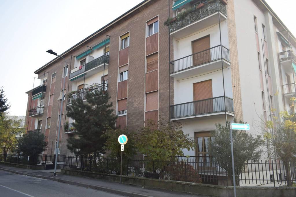 Appartamento in buone condizioni arredato in affitto Rif. 8664686