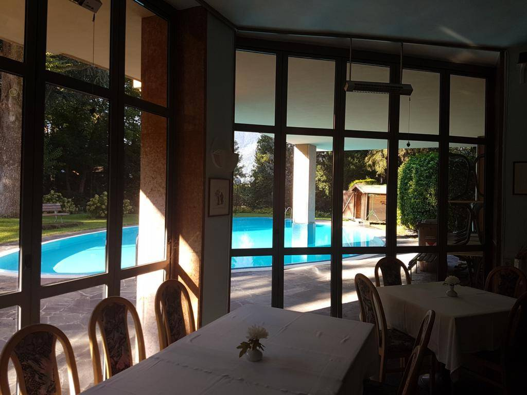 Ristorante/Bistro elegante in Maia Alta Rif. 8888398