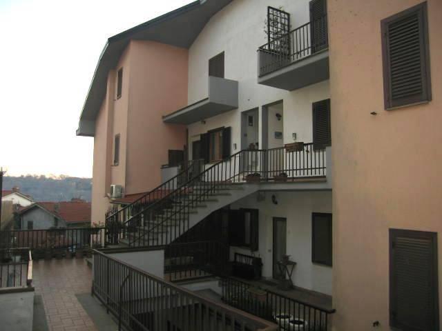 Appartamento in buone condizioni in vendita Rif. 8885120