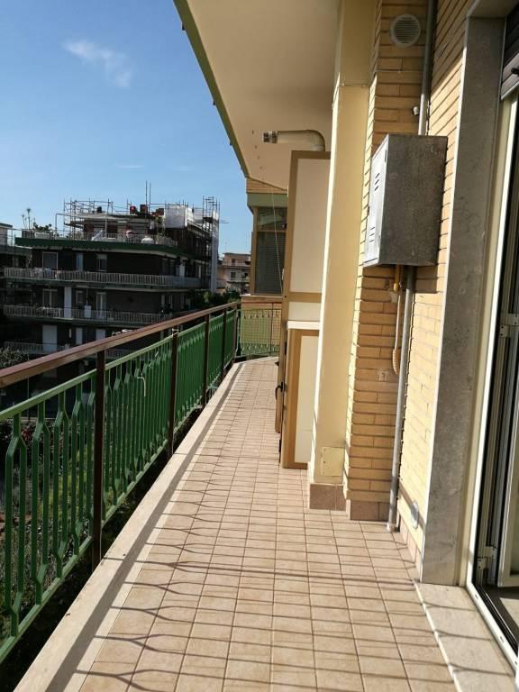 Appartamento in buone condizioni in affitto Rif. 8887973