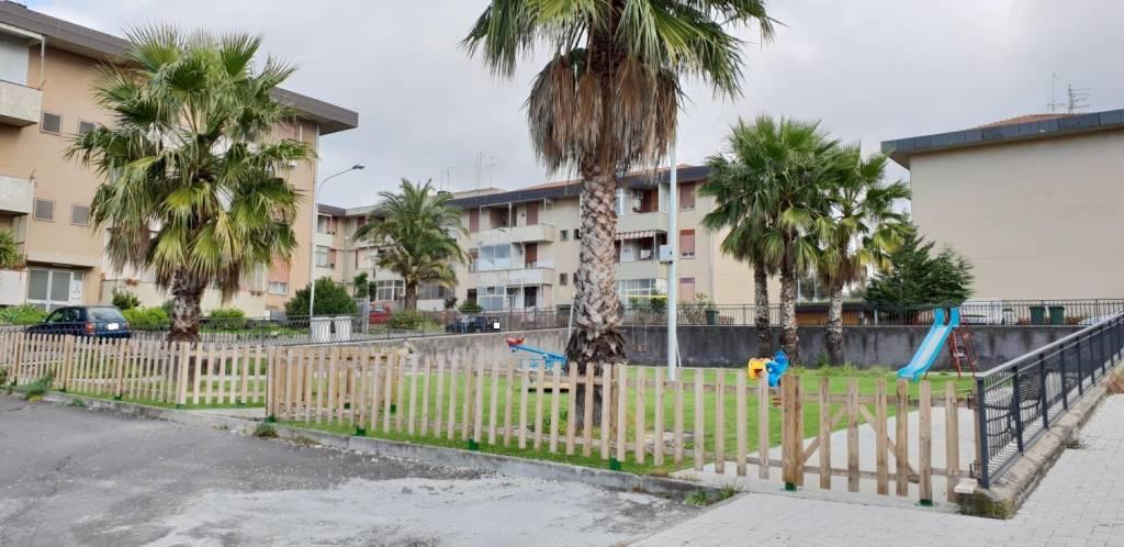 Appartamento in buone condizioni in vendita Rif. 8886757