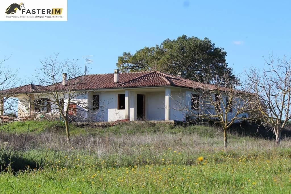 Villa da ristrutturare in vendita Rif. 8888739