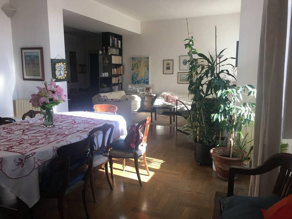 Appartamento in buone condizioni in vendita Rif. 8885989