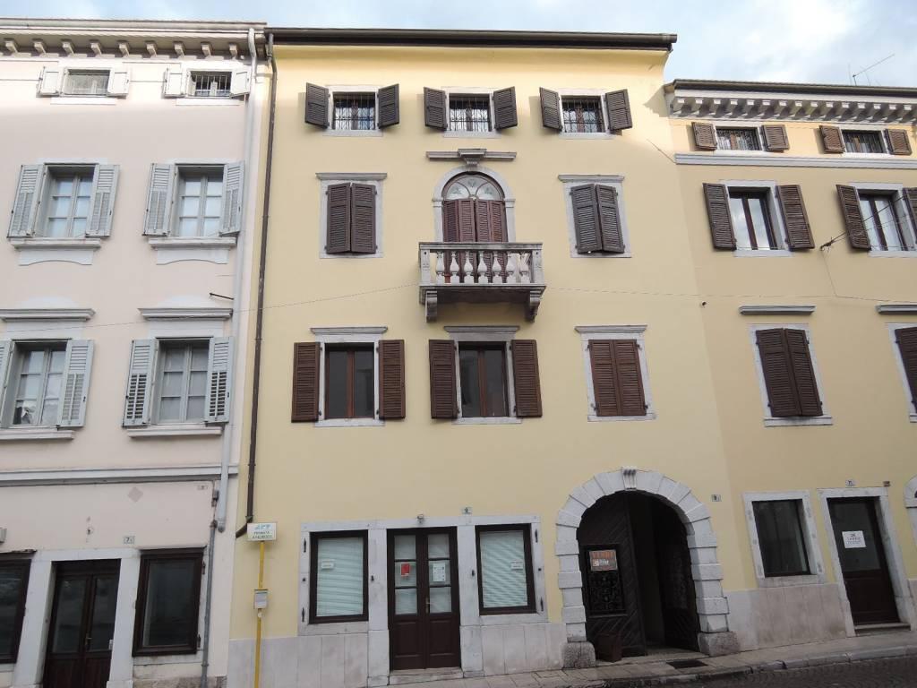 Appartamento in ottime condizioni arredato in affitto Rif. 8884965