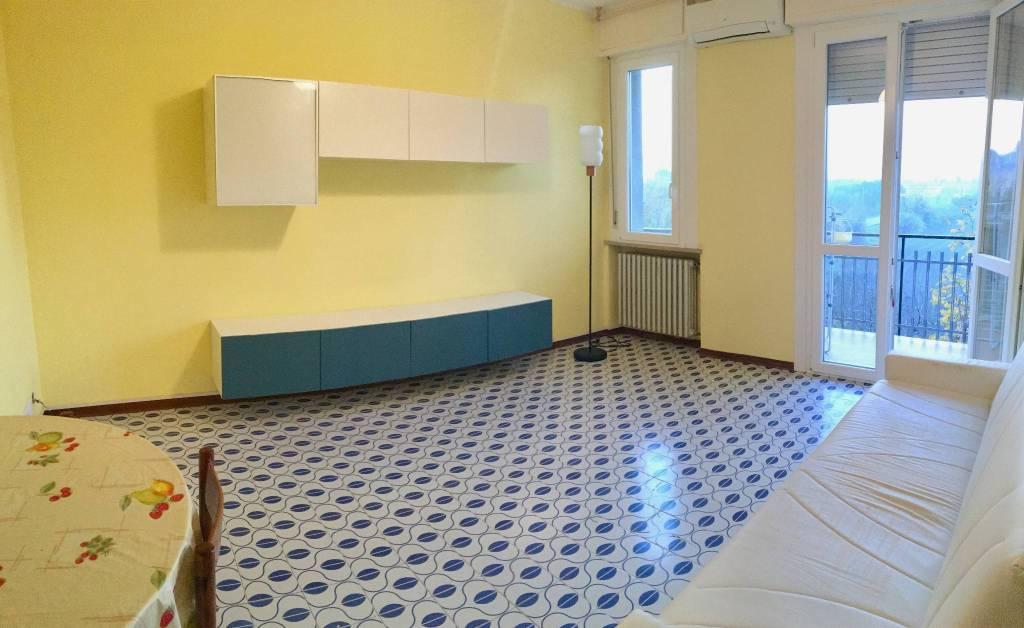 Appartamento in buone condizioni parzialmente arredato in vendita Rif. 8888592