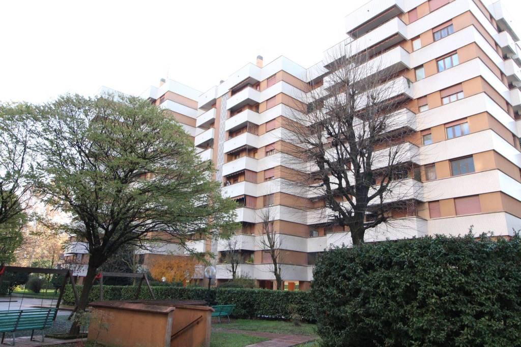 Appartamento in ottime condizioni in vendita Rif. 8885123