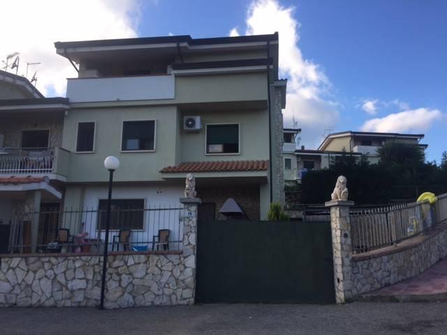 Villa in ottime condizioni in vendita Rif. 9151205