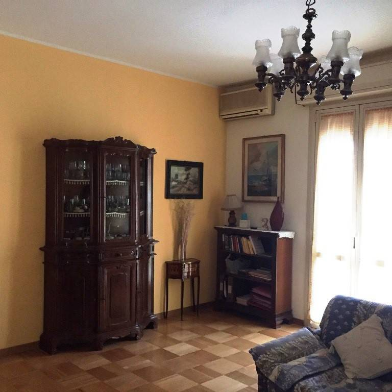 Appartamento in buone condizioni in vendita Rif. 8886154