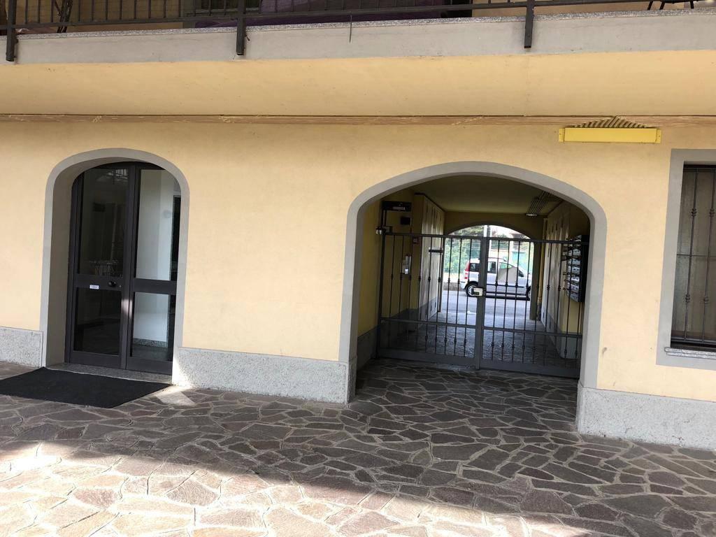Appartamento in ottime condizioni in vendita Rif. 8884848