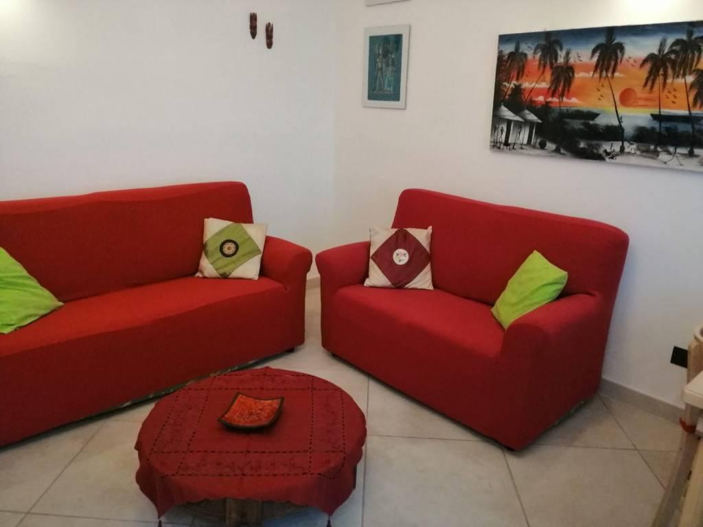 Appartamento in ottime condizioni arredato in vendita Rif. 8887851
