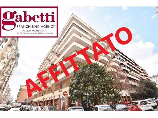 Bilocale in affitto a Roma in Via Cesare ArzelÃ