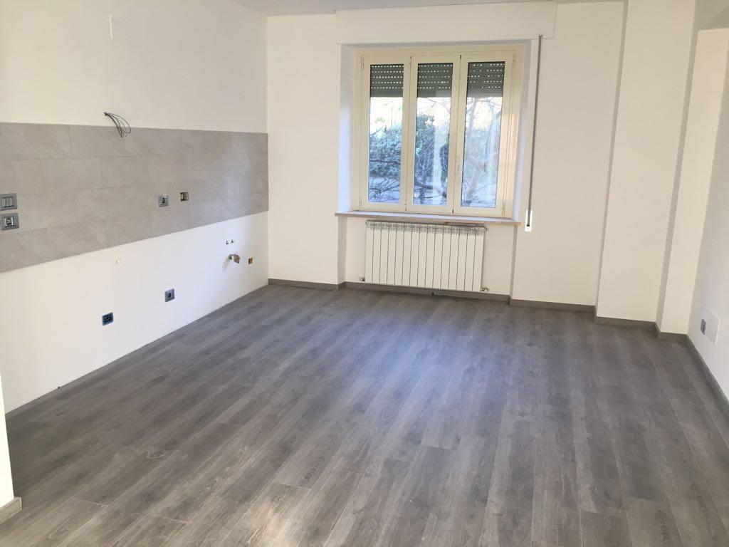 Appartamento in Affitto a Magione: 4 locali, 110 mq
