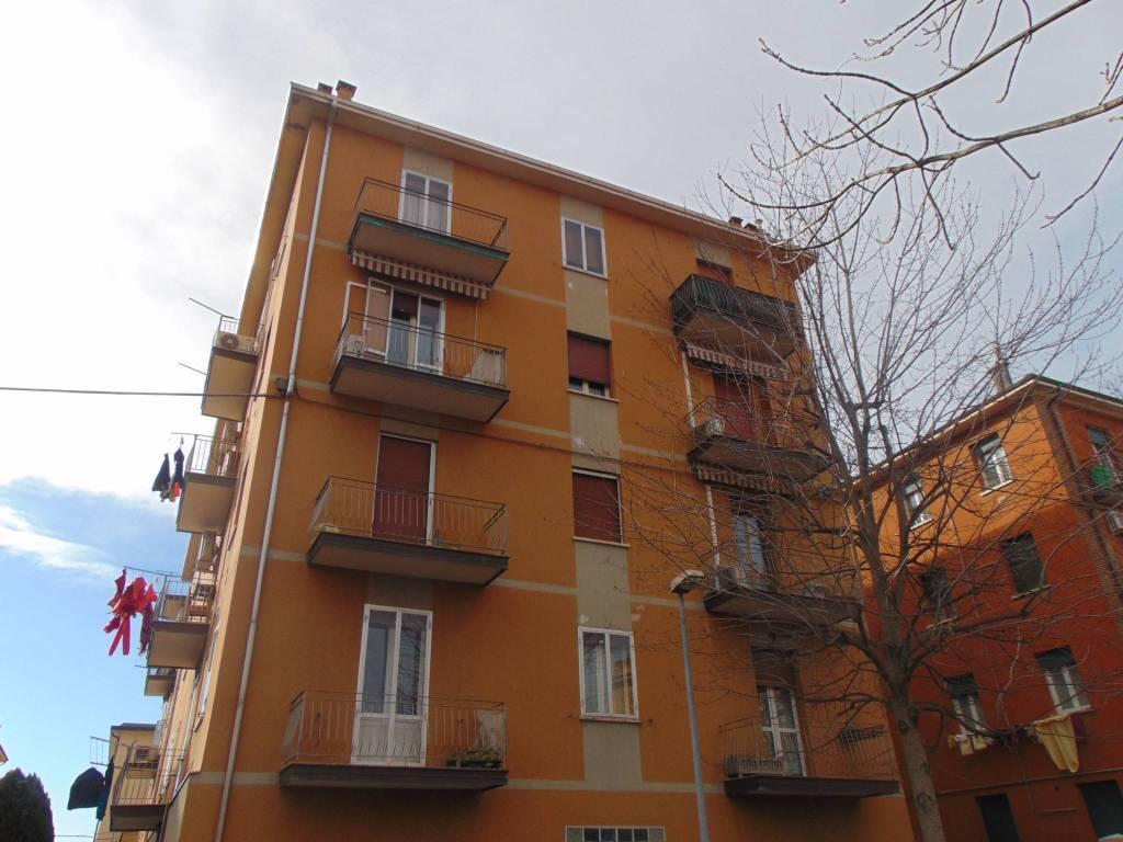 Appartamento da ristrutturare parzialmente arredato in vendita Rif. 8886413