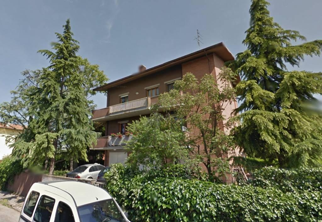 Appartamento in buone condizioni in vendita Rif. 8887457