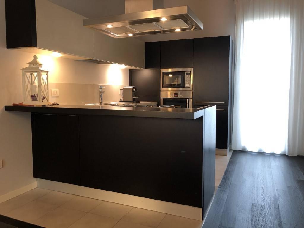 Appartamento in ottime condizioni arredato in vendita Rif. 8885560